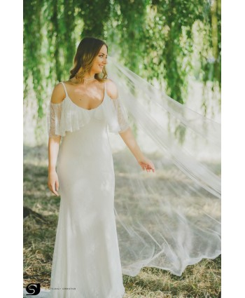Bohemian style wedding dress in lace